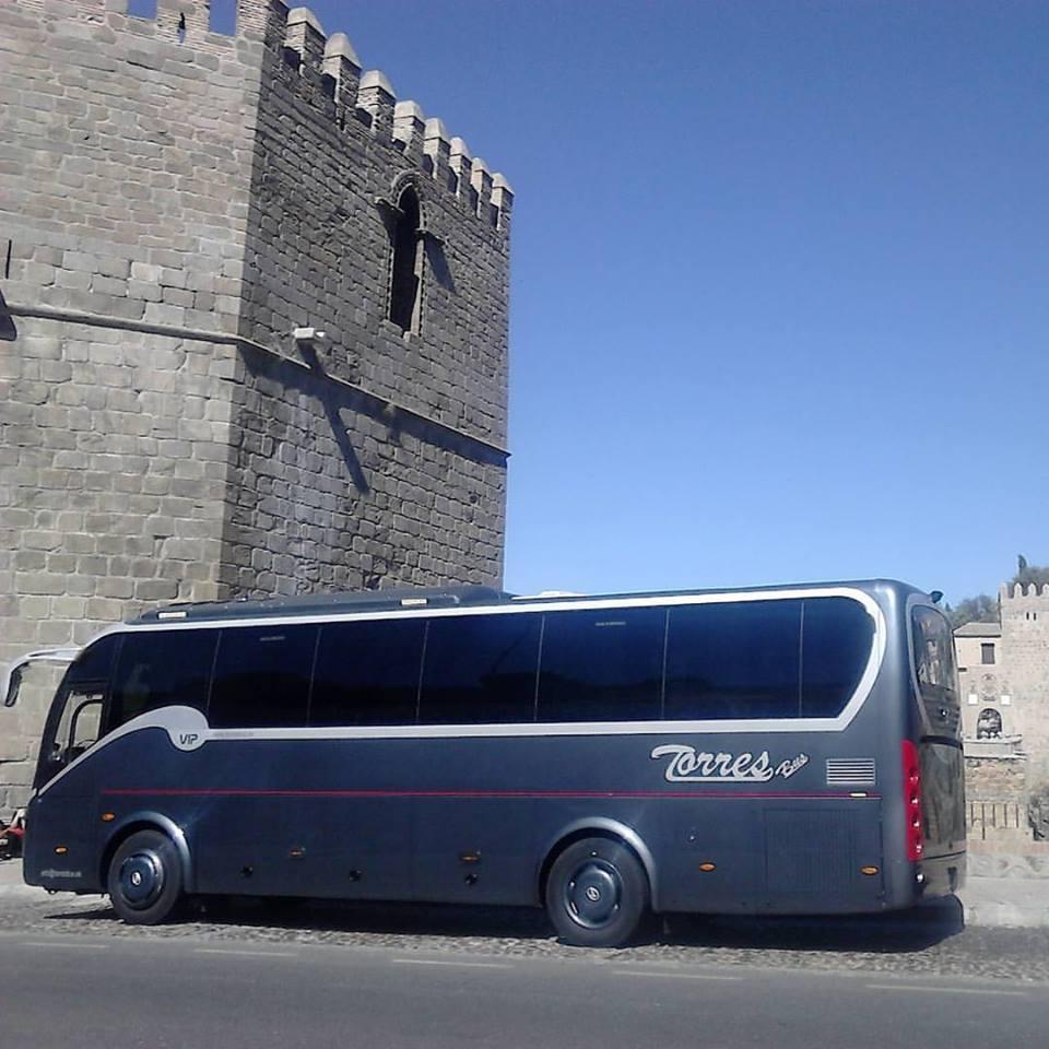 Alquilar minibús con conductor en Madrid